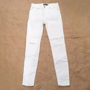 Size 6 Sportsgirl white skinny jeans with knee rips